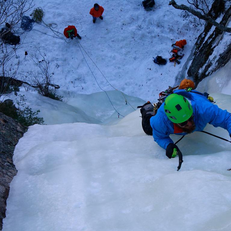Cours premier de cordée glace