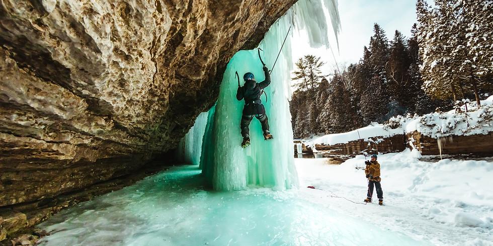 Demi-journée d'escalade de glace