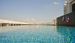游泳池2.png