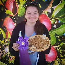 Kristi Caccippio and Best Looking Pie from Onieda Big Apple Fest