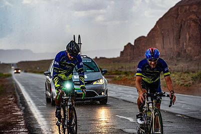 2019-06-17 RAAM Teams Monument Valley to