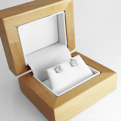 Solitaire-Round-Diamond-Earrings-Boxed.j