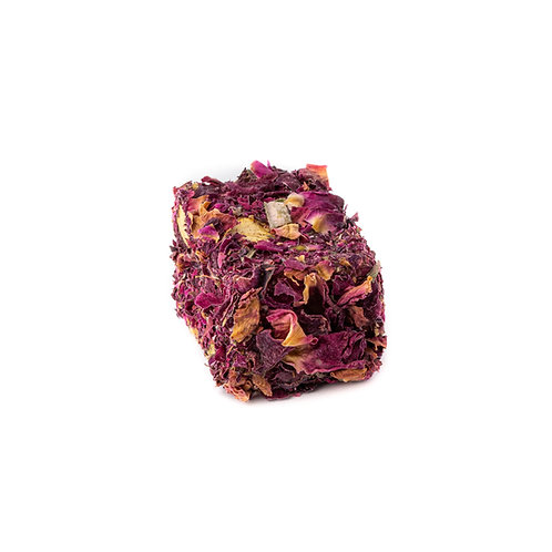 Lokum, rose flavoured, stuffed with pistachio & covered with rose petals (1pc)
