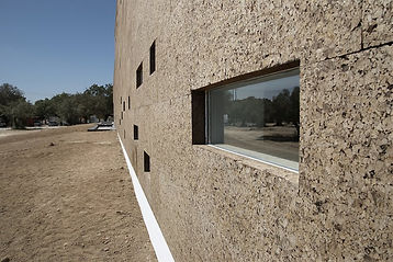 Outdoor walls with expanded insulation corkboard