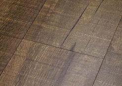 Micro beveling vinyl flooring