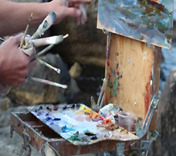 painting easel for gallery-small