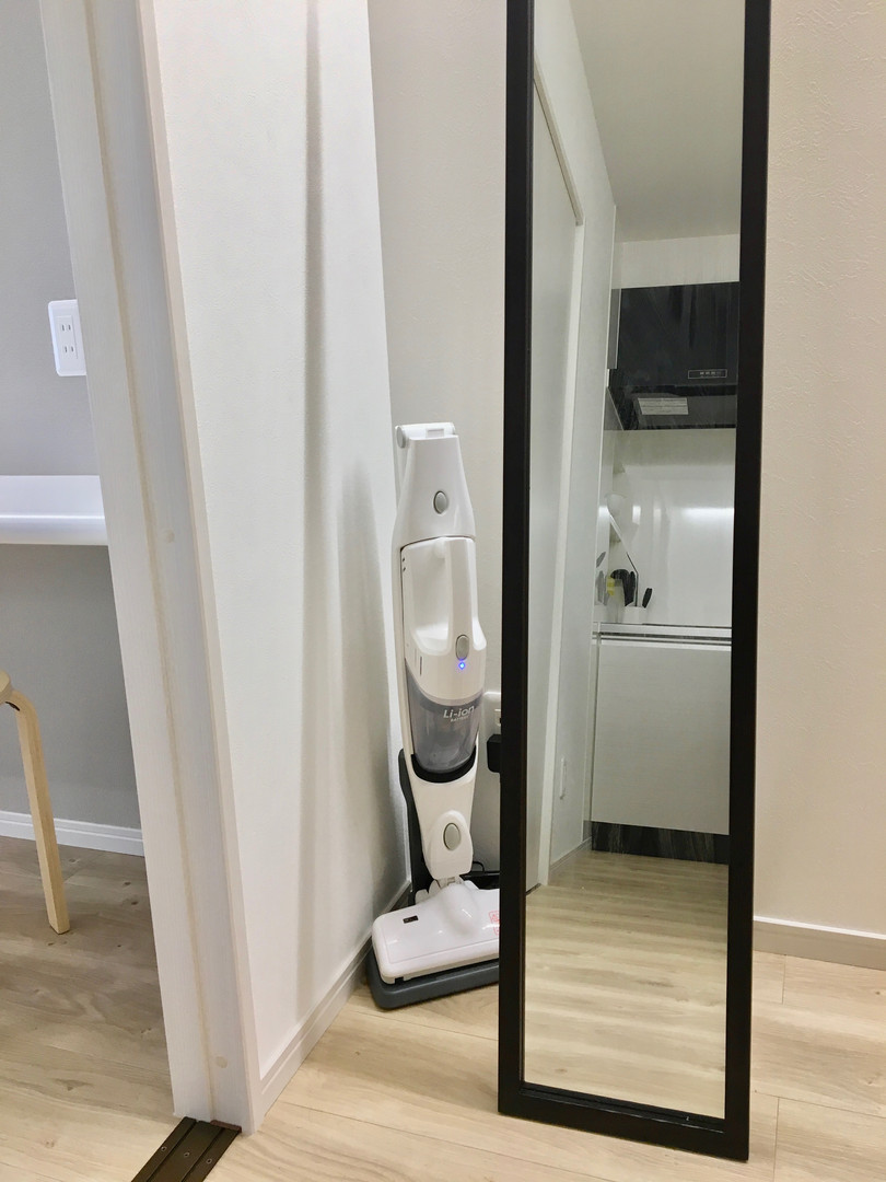 A-style Futenma エースタイル普天間 内装 設備写真 掃除機 鏡