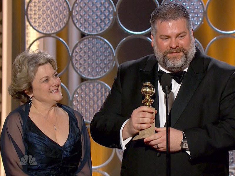 Dean DeBlois accepting Golden Globe