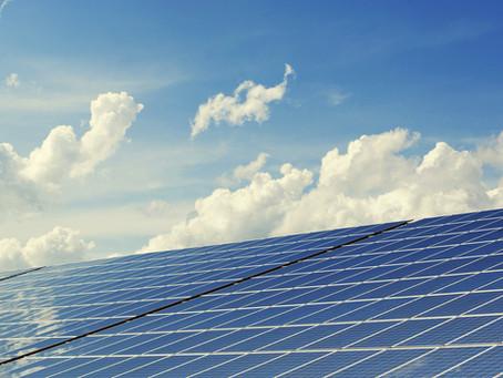 Des panneaux photovoltaïques sur les bâtiments publics