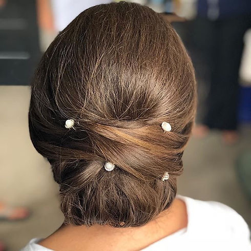 This_bride_got_me_in_the_feels._Her_hair