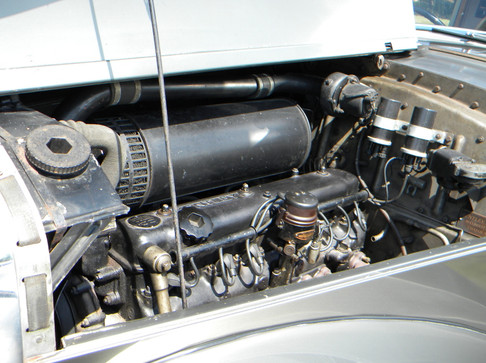 1951_Bentley Mark VI_16.jpg
