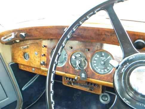 1951_Bentley Mark VI_32.jpg