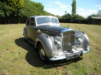 1951_Bentley Mark VI_19.jpg