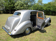 1951_Bentley Mark VI_11.jpg