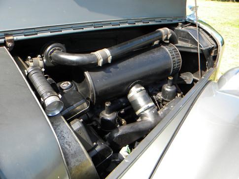 1951_Bentley Mark VI_17.jpg