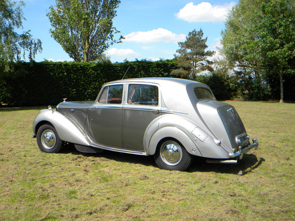 1951_Bentley Mark VI_5.jpg