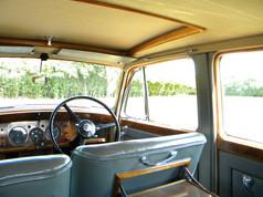 1951_Bentley Mark VI_27.jpg