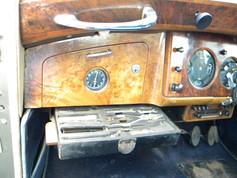1951_Bentley Mark VI_29.jpg