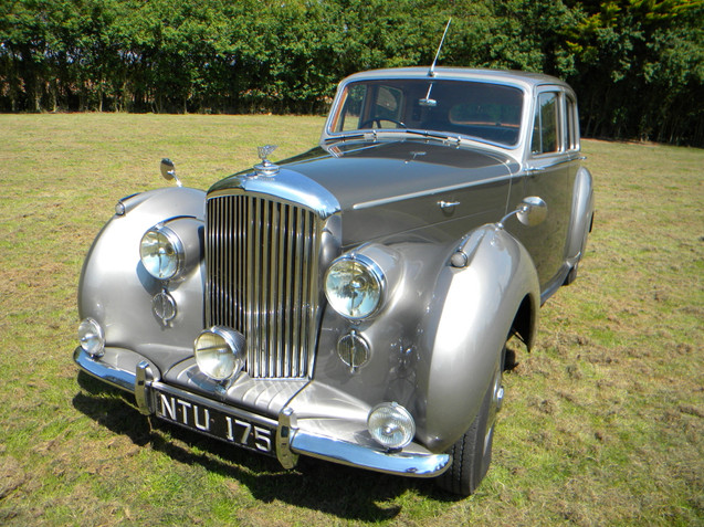 1951_Bentley_Mark VI_1.jpg