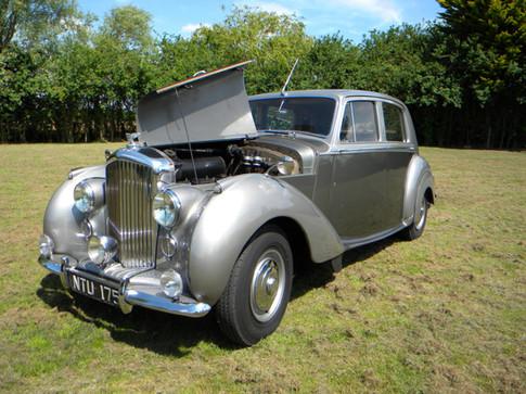 1951_Bentley Mark VI_24.jpg