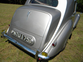 1951_Bentley Mark VI_54.jpg