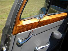 1951_Bentley Mark VI_49.jpg