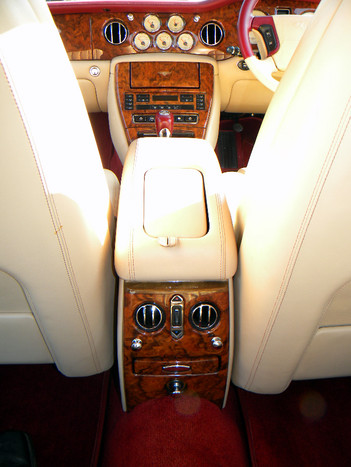 2000_Bentley_Arnage_Fireglow_22.jpg