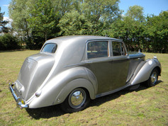 1951_Bentley Mark VI_10.jpg