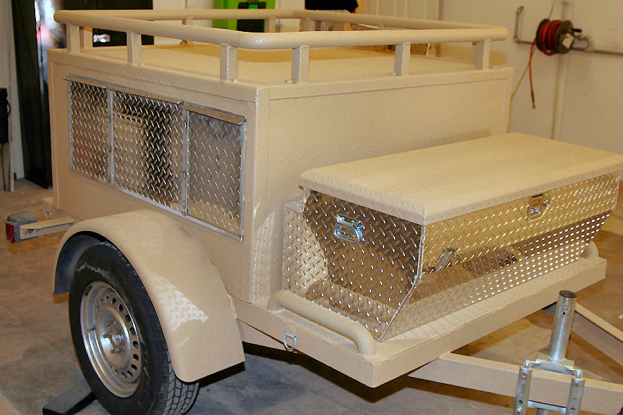 Dogtrailer2.jpg