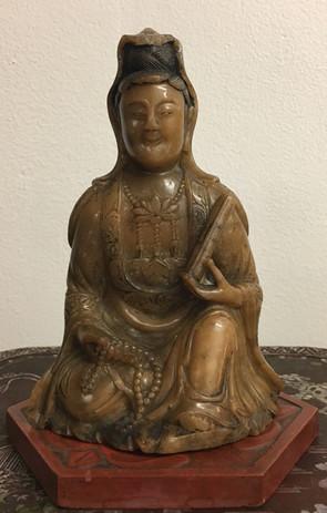 寿山石観音坐像