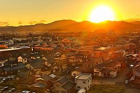 夕日の当たる街