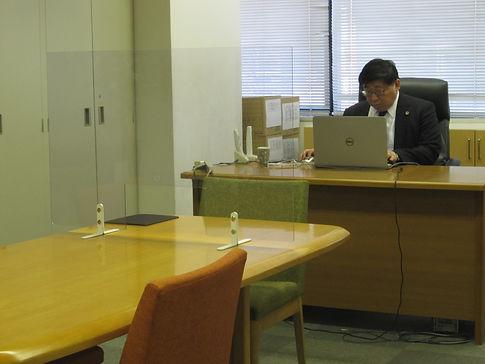 事務所内写真2.JPG