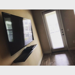 Welcome Home _kreep_1 _W🔩O📺R🔌K🔨 #wallmountit #Houston #home #theater #custom #tv #install #mount