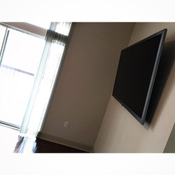 Welcome Home _aych_h _W🔩O📺R🔌K🔨 #wallmountit #Houston #home #theater #custom #tv #install #mount