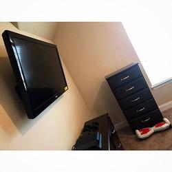 Welcome Home _whoiso _W🔩O📺R🔌K🔨 #wallmountit #Houston #home #theater #custom #tv #install #mount