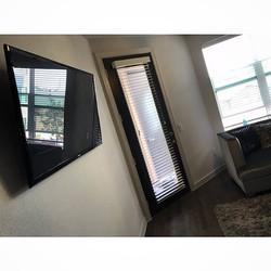 Welcome Home _ashiaabeo _W🔩O📺R🔌K🔨 #wallmountit #Houston #home #theater #custom #tv #install #mou