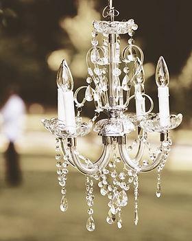 chandelier-1082182_960_720.jpg