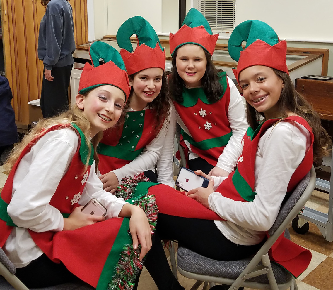 Backstage elves 2.jpg
