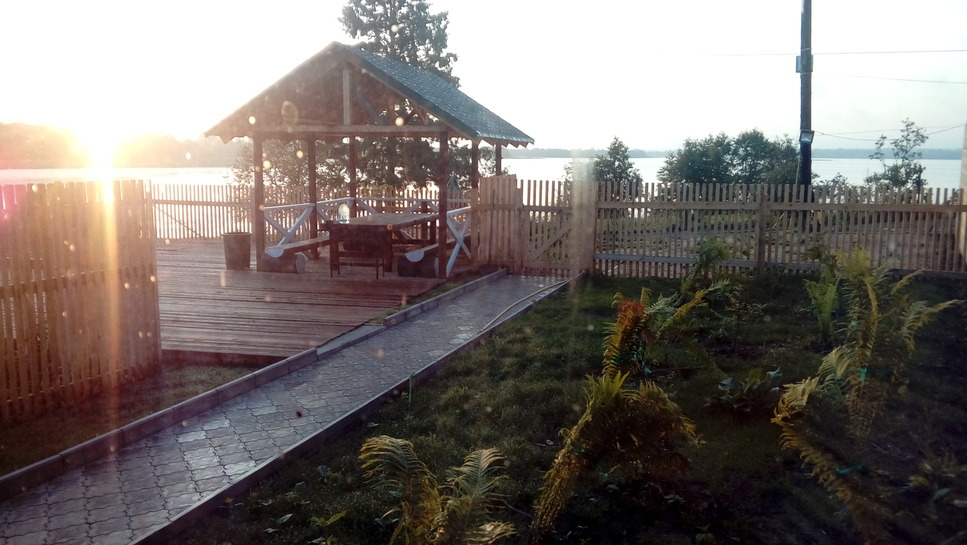 дом 4 на берегу озера посуточно