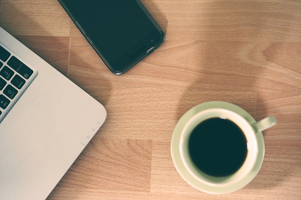 laptop-computer-smartphone-work-cafe-cof