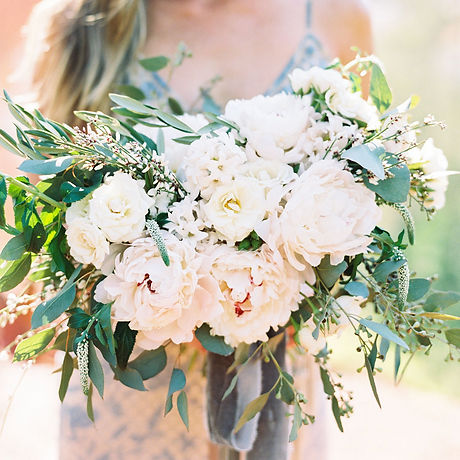 wedding-bride-bouquet-dahlias-white_edit