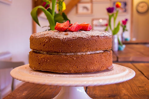 cafe strawberry cake image