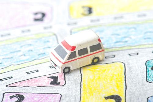 手書きの地図とミニ救急車