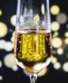 alcoholic-beverage-beverage-blur-1253534