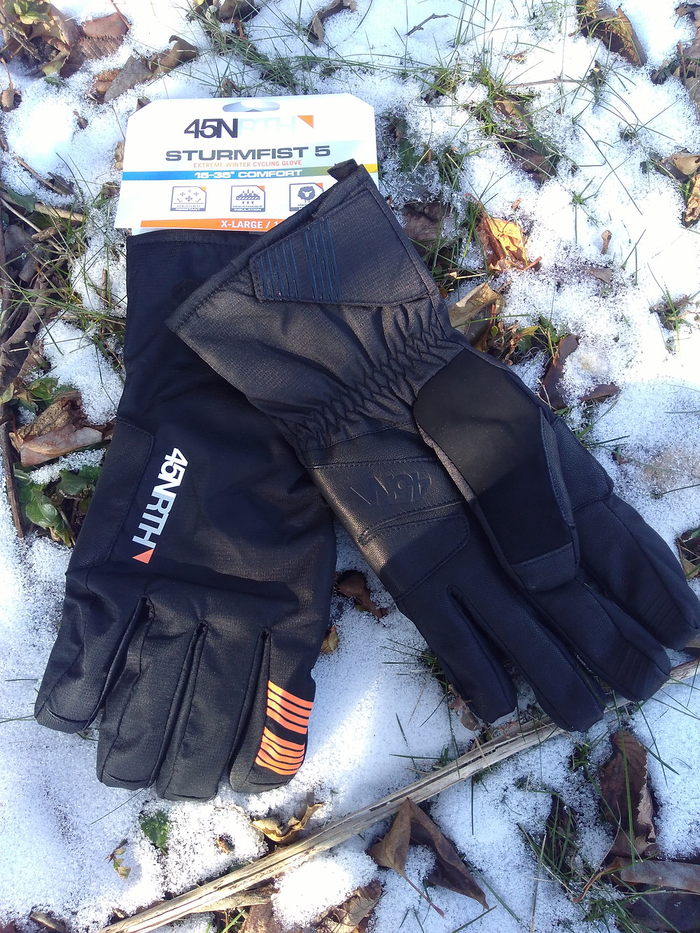 Sturmfist 5s. Excellent winter gloves by 45NRTH, available at Bluedog Cycles.