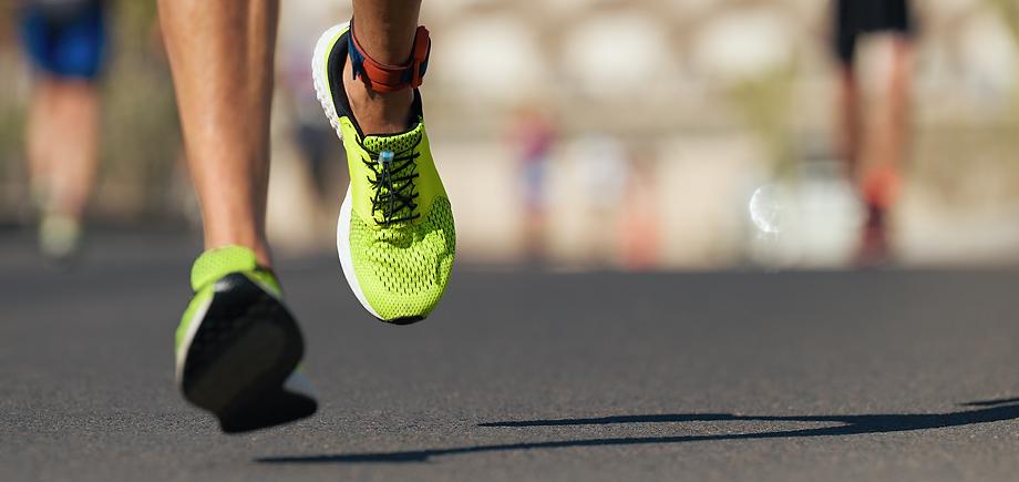 Yellow-shoe running.png