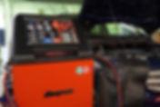 輸入車のエアコンガス充填
