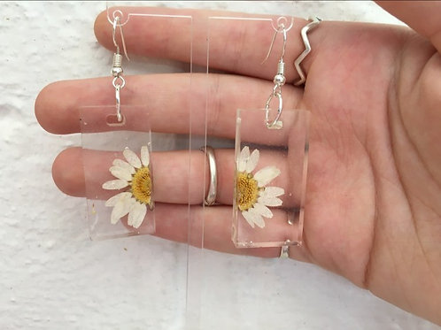 Half daisy oblong earrings