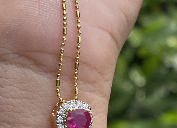 0.8Ct Unheated Burmese Ruby Necklace in 18k solid gold