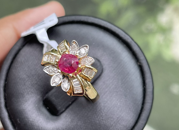 0.8Ct Unheated Burmese Ruby and Natural Diamond Ring in 18k solid gold